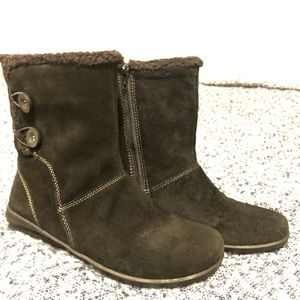 Clarks black suede size 8 boot